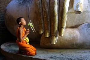 ขี้เกียจ ต้องสู้ด้วยการตั้งอธิษฐานบารมี